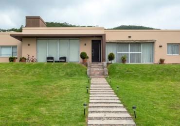 Casa en Venta Club de Campo La Lucinda